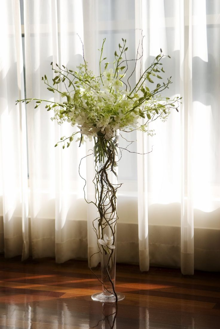 Curly Willow Around The Vase Wedding Flowers Pinterest