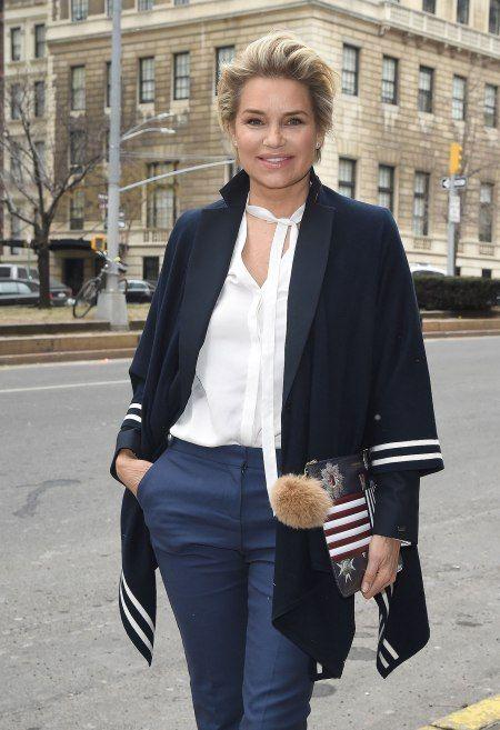 Yolanda Hadid - Love her Hairstyle & cut