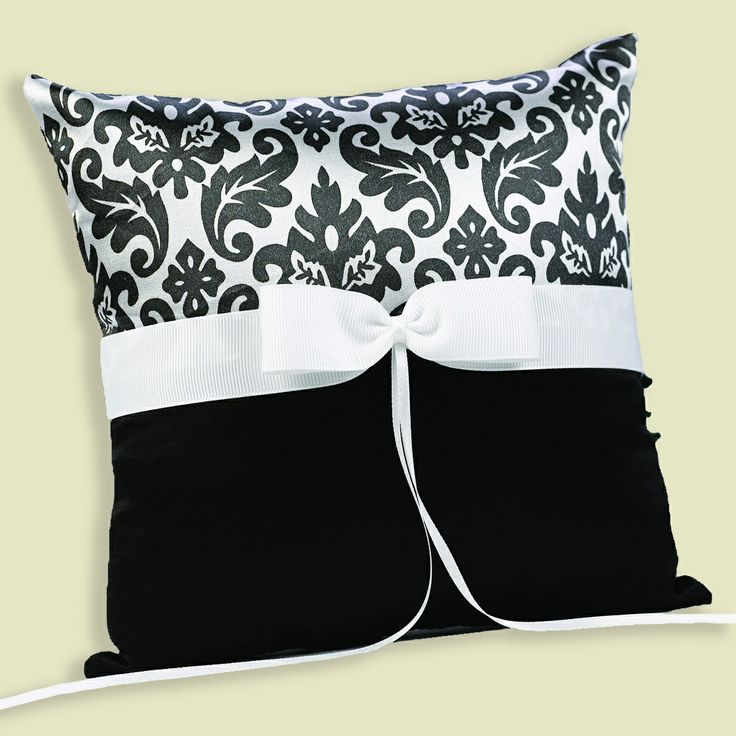 Enchanted Evening Ring Pillow | #exclusivelyweddings