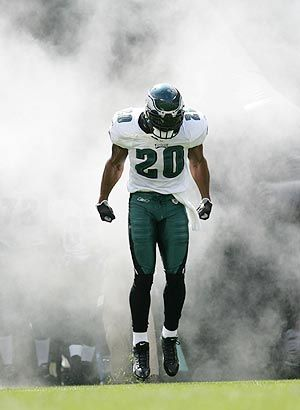 Brian Dawkins is expected to return to the city to retire as an Eagle.  Philly loves Dawk!