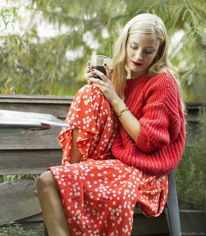 Kate Foley in a chunky fall sweater and skirt http://www.garancedore.fr/en/2013/10/15/the-chunky-sweater/