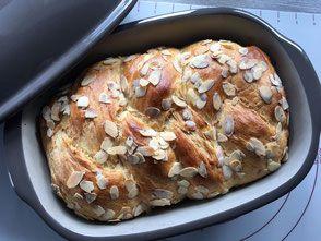 Hefezopf fertig gebacken im Ofenmeister von Pampered  Chef