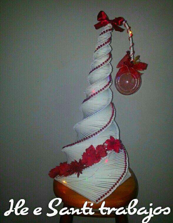 Alberello di Natale bianco e rosso by Santino Cossu e Ilenia Pintus