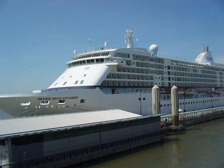 Seven Seas Voyager in Liverpool
