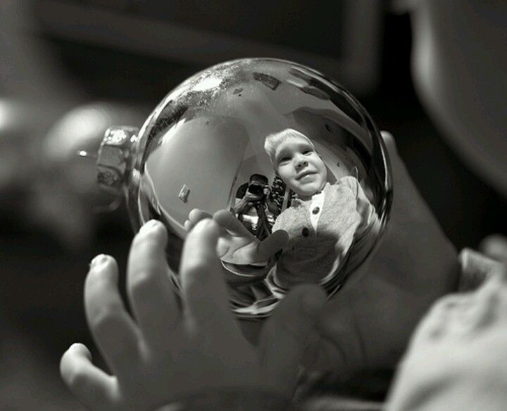 I want to do this. Take a picture of your toddler holding a Christmas bulb