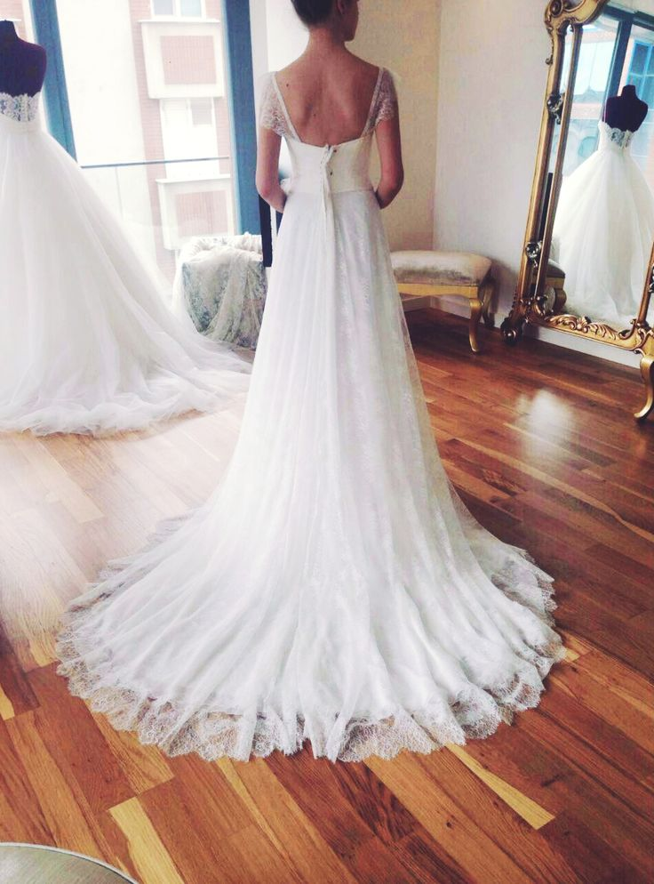 Helenistik tarz #Gün&Ay modelimizle gelinimiz göz kamaştırıyor!  #gelin #gelinlik #dugun #gelinlikmodelleri #gelinlikler  #wedding #weddingparty #bride #weddingdress #weddinggown #marriage  #bridaldress #bridalgown