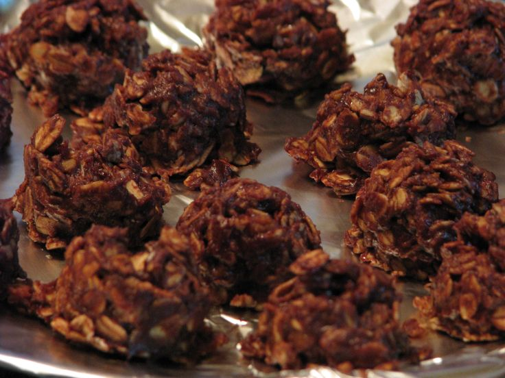 """FUDGY NO-BAKE COOKIES – """"S"""" Dessert or Snack 1/4 cup butter or coconut oil 2 tablespoons cocoa 2 tablespoons almond milk, unsweetened 1/4 cup Truvia 1/4 cup defatted peanut flour 2 tablespoons water dash sea salt 1/2 teaspoon vanilla 1 cup rolled oats OR use 1 cup coconut (shredded or chips) OR us 1/2 cup […]"""