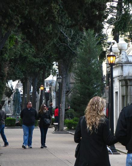http://www.facebook.com/argentina.buenosaires    http://www.twitter.com/bairestuitea    Cementerio Chacarita