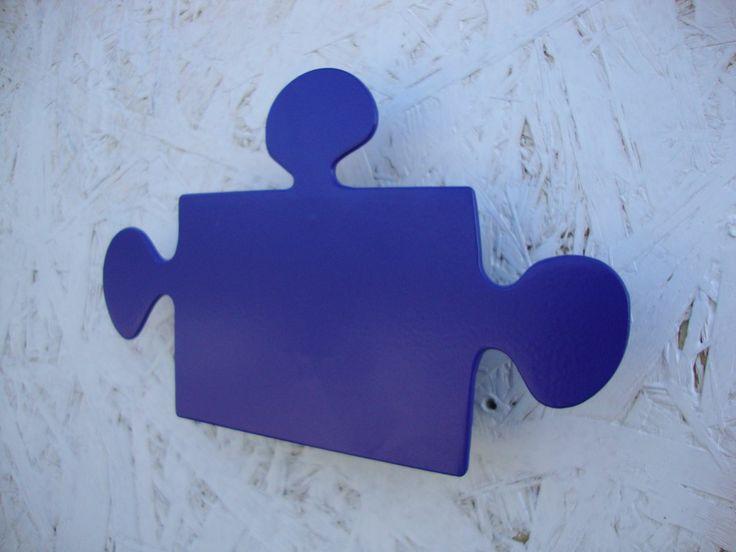 Puzzelek 1 z 4 rodzajów dostępnych w naszym sklepie na www.wieszaj.pl. Można zakupić 1 rodzaj, a także wszystkie 4, w jednym kolorze bądź w 4 różnych. Wszystkie kombinacje dozwolone :) Polecamy!