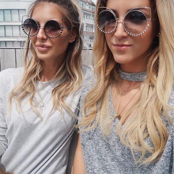 Estilo em dose dupla com Marc Jacobs que tanto amamos ❤️ | #envyotica #marcjacobs #cateye #oculos #oculosdesol #eyewear #sunglasses #sunnies