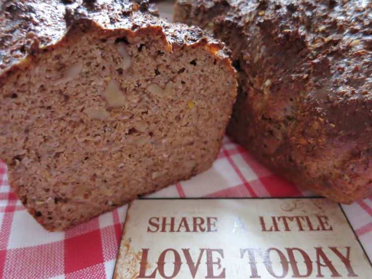 Meine Low Carb Rezepte: Omega-3-Brot - Walnüsse, Chia-Samen, Hanf- Samen und Leinsamen verbessern deine Omega-3-Bilanz