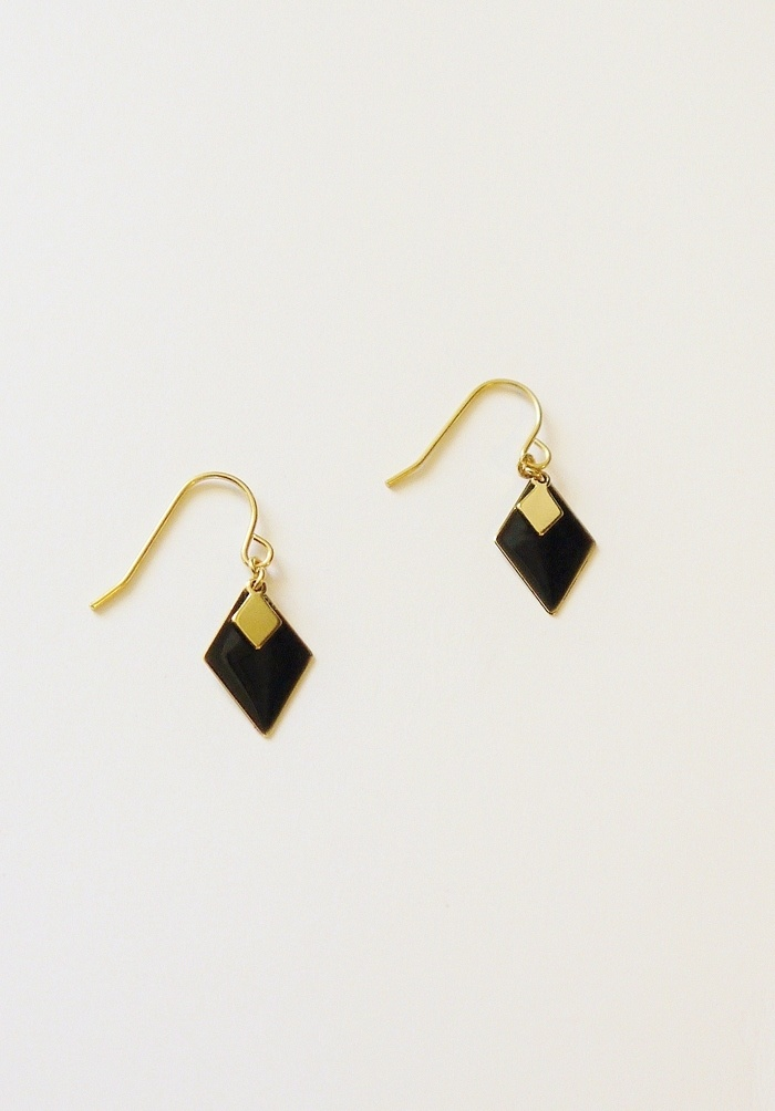 Vuela: Design and Accessories: Accessories 2, Diamonds Earrings, Vuela Earrings, Accessories Accessories, Gold Diamonds, Dainty Earrings, Simple Earrings, Minimalist Earrings, Vuela Design