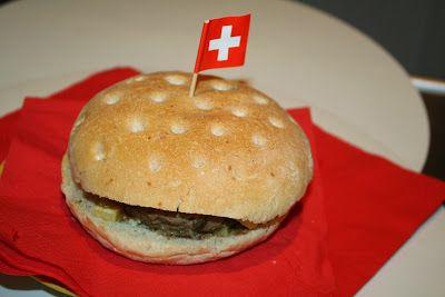 hamburger con funghi e formaggio svizzero
