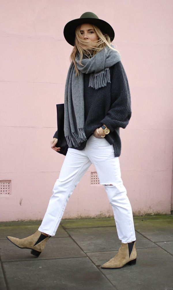 look calça branca, maxi cachecol e chapéu