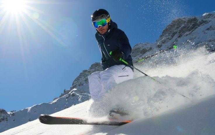 Ziehe Deine Bahnen im Tiefschnee im Skigebiet Watles