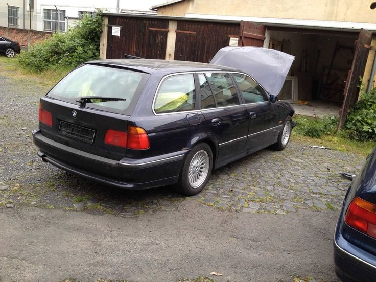 BMW 5 Touring (E39) 523i 2494 cm3, 170 PS, 125 kW  Unfall