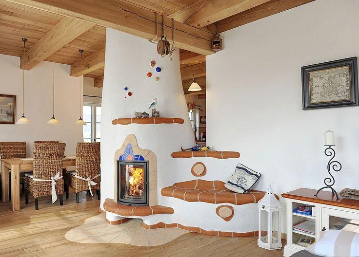 Imagini pentru interioare case taranesti