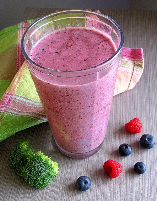 Berry Broccoli Smoothie #SundaySupper