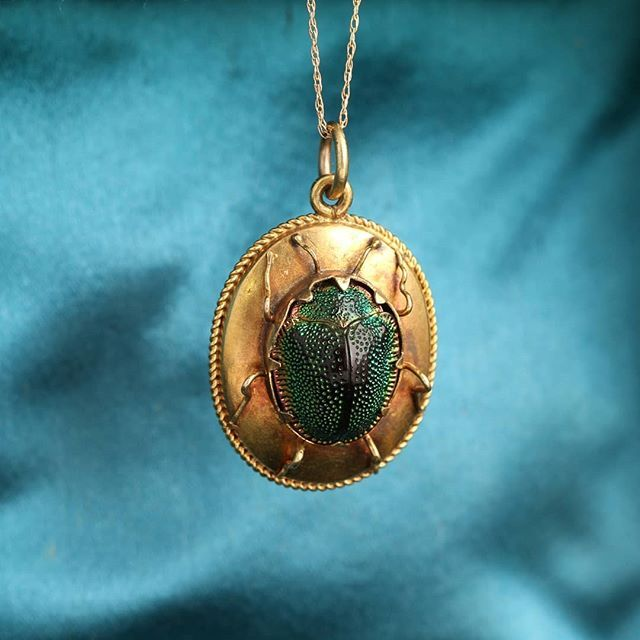 EGYPTIAN NEcklace JEWELRY Pendant ART DECO Vintage look SCARAB Beetle w// Feather