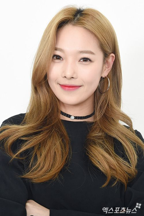 Somin from K.A.R.D (Former member of Puretty and APRIL)