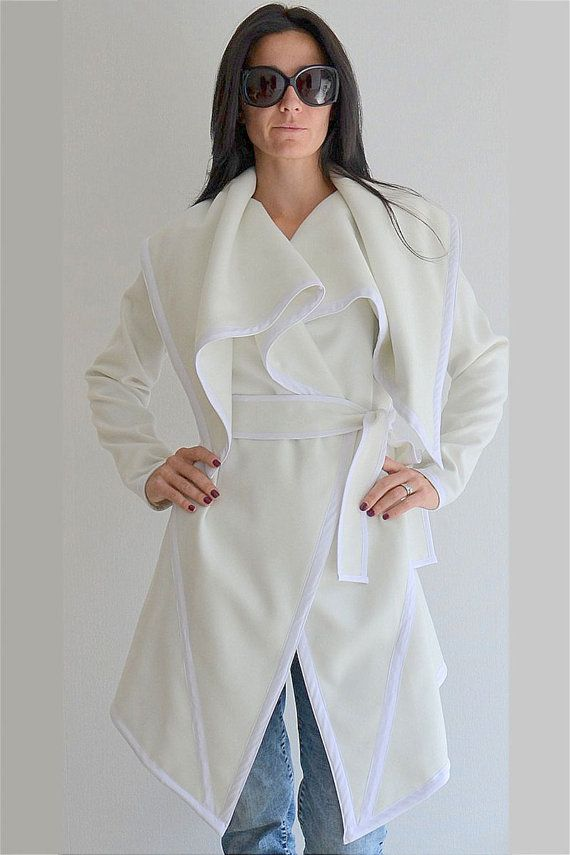 White long Cashmere Coat / Woman long by ClothesByLockerRoom