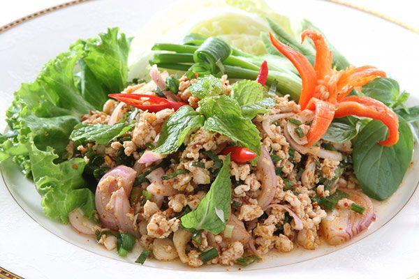 Laab ลาบหมู (minced meat salad)