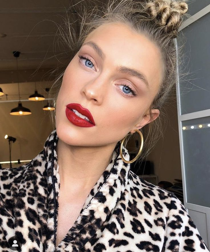 Makeup Beauty Products Red Lips Earrings Blouse Print