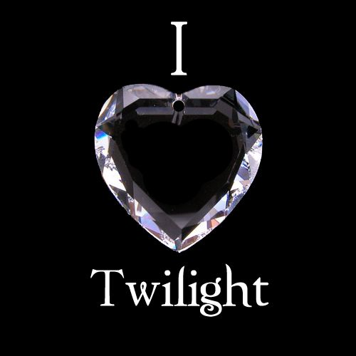 """Edward's """"crystal"""" heart pendant that he gifted to Bella in Eclipse. It had previously belonged to his human mother."""