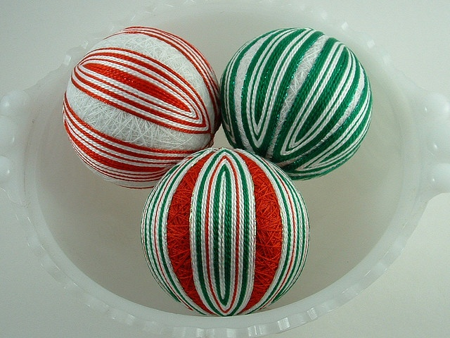 with a basic spindle design to resemble old-fashioned Christmas candy ...