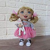 Купить или заказать текстильная кукла малышка Китти в интернет магазине на Ярмарке Мастеров. С доставкой по России и СНГ. Материалы: корейский хлопок, трикотаж хлопок,…. Размер: 26 см