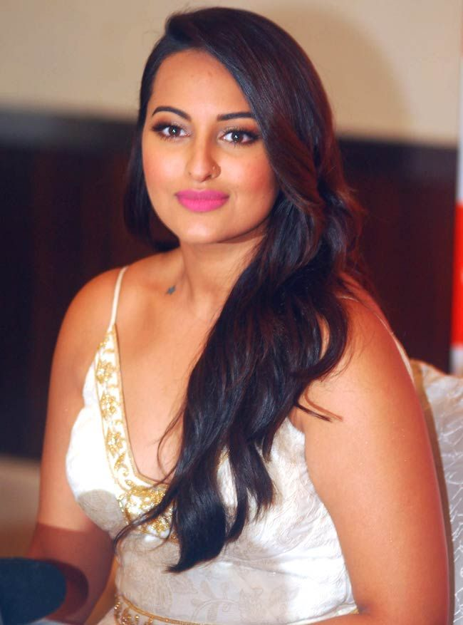 Sonakshi Sinha #Bollywood #Fashion #Style #Beauty