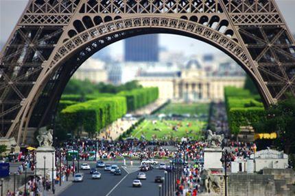tilt shift Eiffel Tower