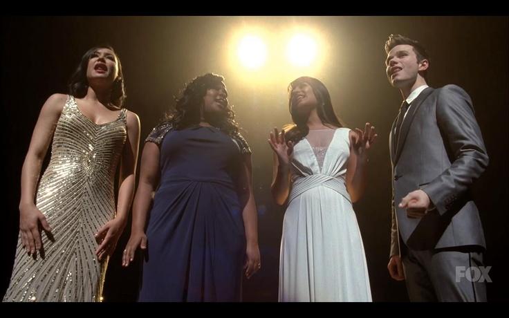 Naya Rivera wearing Aidan Mattox on Glee!