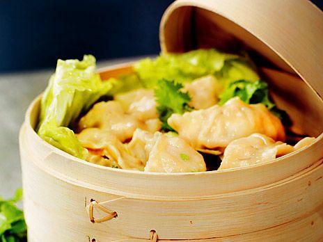 Goda asiatiska degknyten fyllda med köttfärs och heta kryddor. Recept från kokboken Sveriges mästerkock