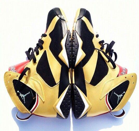 Customized Jordan's                                                                                                                      Ⓙ_⍣∙₩ѧŁҝ!₦ǥ∙