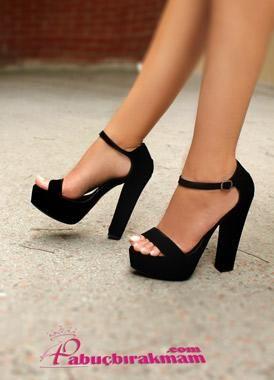 Gabi Siyah Süet Kalın Topuklu Ayakkabı
