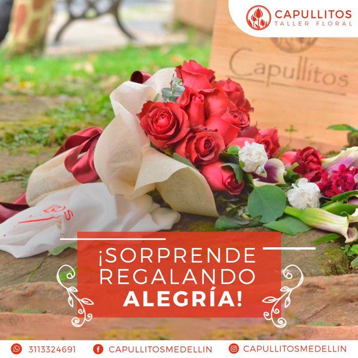 Arreglo floral de rosas. Taller floral Capullitos en Medellín - Colombia.