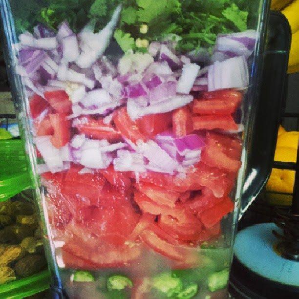 Chuy's Famous Fresca Salsa using Ninja Blender
