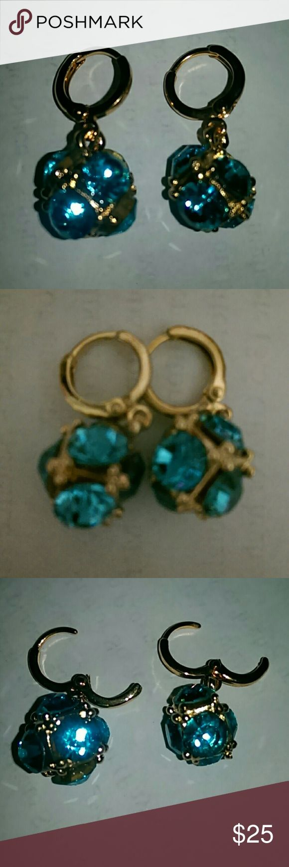 6-Sided Blue Crystal Earrings Shaped like a set of Dice with Crystals on each face. Swarovski Jewelry Earrings