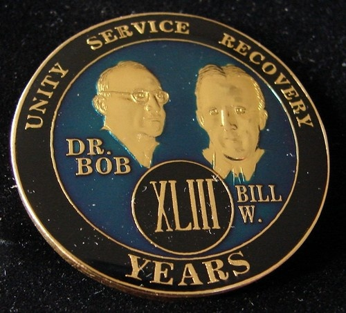 Alcoholics Anonymous 43 Year Anniversary Blue Tri Plate Medallion Bill w Dr Bob | eBay