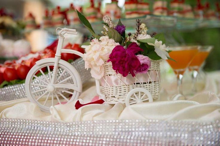 Inspirasi Warna Oranye Sebagai Tema Dekorasi Pernikahan