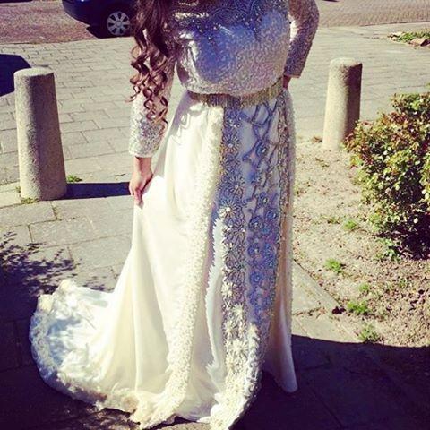 #mulpix Whauwie ingezonden gekregen en zo mooi stond het haar!   #hautecouture  #couture  #model  #stylist  #takchita  #caftan  #takshita  #promdress  #fes  #casablanca  #decoratie  #verhuur  #marokkaanse  #marokkaansejurk  #dubai  #robes  #robe  #oriental  #maroccan  #maroc  #caftan2016  #rabat  #verhuur  #dress  #arabic  #engagement  #caftans  #caftaninspiration  #verloving  #jurk  #jurken @caftan_inspiration @js__creation @moroccanwedding