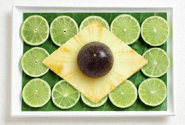 Bandeira do Brasil (Flag of Brazil) - feita com folhas de bananeira, limão, abacaxi e maracujá preto