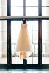 Glamorous DIY Wedding at the Dayton, Ohio Art Institute - Style Me Pretty