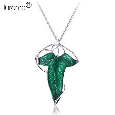 Lureme®Silver Plated Alloy Acrylic Leaf Pattern Necklace – USD $ 4.99