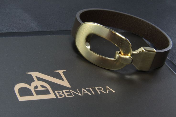[BENATRA] Ebony Leather Clamp Bracelet (Italian Genuine Leather & Brushed Gold Plate on Brass)