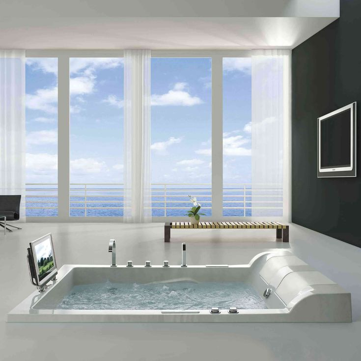 Antigua Luxury Whirlpool Tub