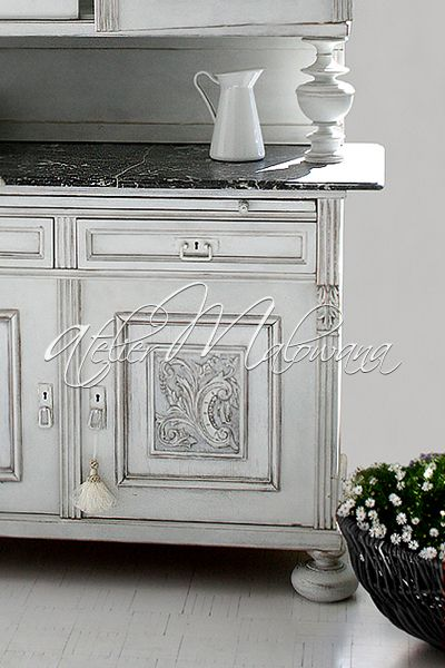 XIX-wieczny kredens eklektyczny - rzeźbiona komoda z marmurowym blatem . © 2014 Atelier Malowana. All rights reserved. http://ateliermalowana.pl/