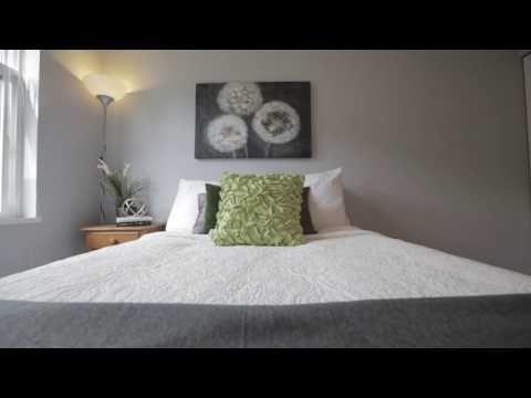 2 bed 1.5 Bath townhouse by Edmonds Skytrain and Byrne Creek