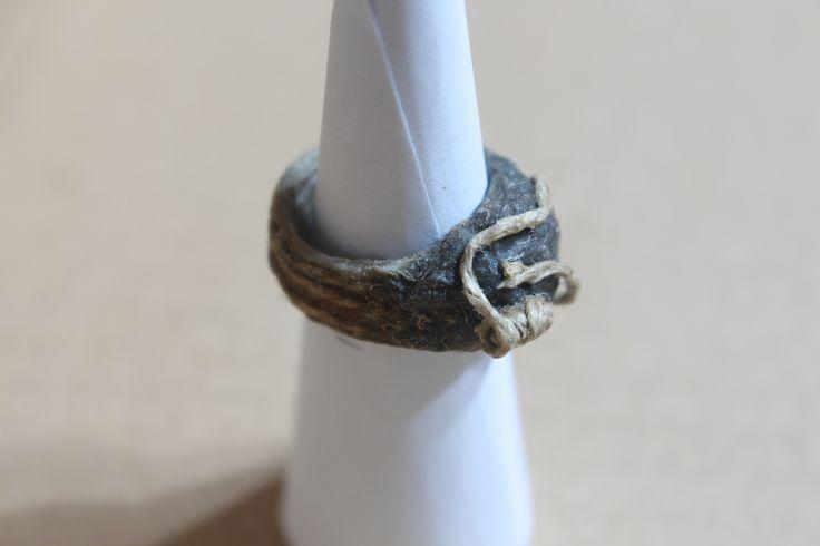 Anello in Papier Mache e Spago di Canapa